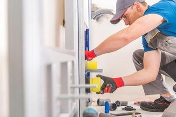 Installation aux normes : plomberie et pose de canalisation